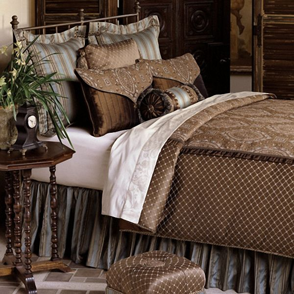 Amazing of Modern Luxury Bedding Luxury Bedding Collections Comforters Finding Luxury Bedding
