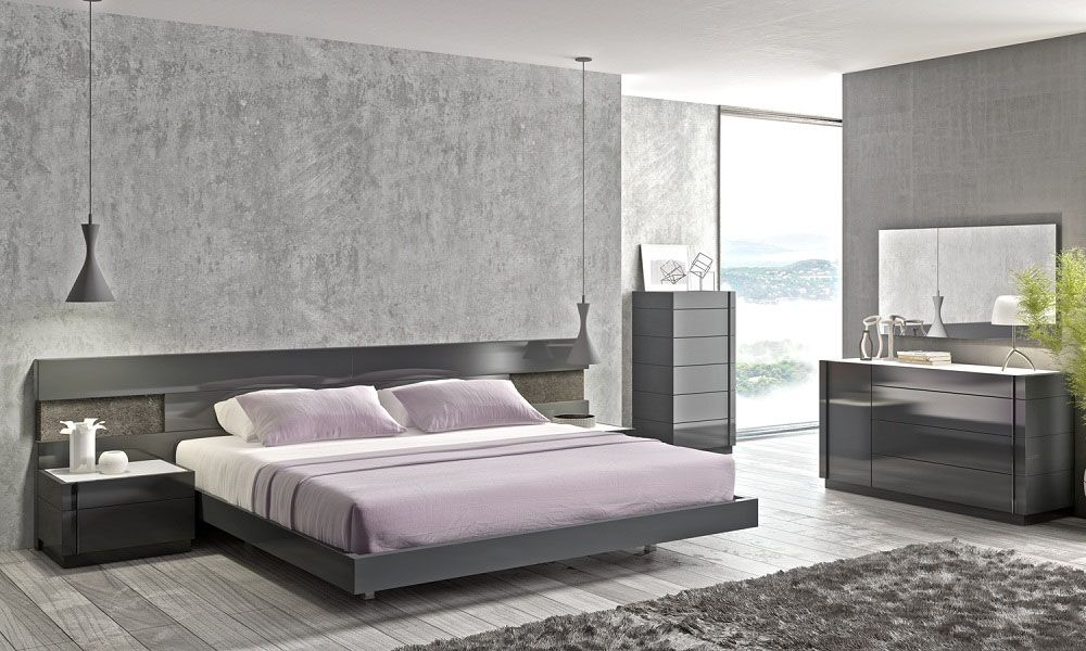 Awesome High End Modern Bedroom Furniture High Class Wood High End Bedroom Furniture With Long Panels