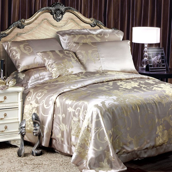Beautiful Luxury Bedding Ensembles 8 Pieces Silk Luxury Bedding Sets Set41