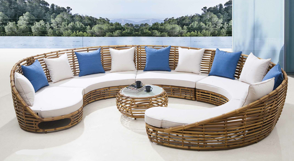 Beautiful Luxury Contemporary Outdoor Furniture What Are The Characteristics Of The Perfect Contemporary Outdoor