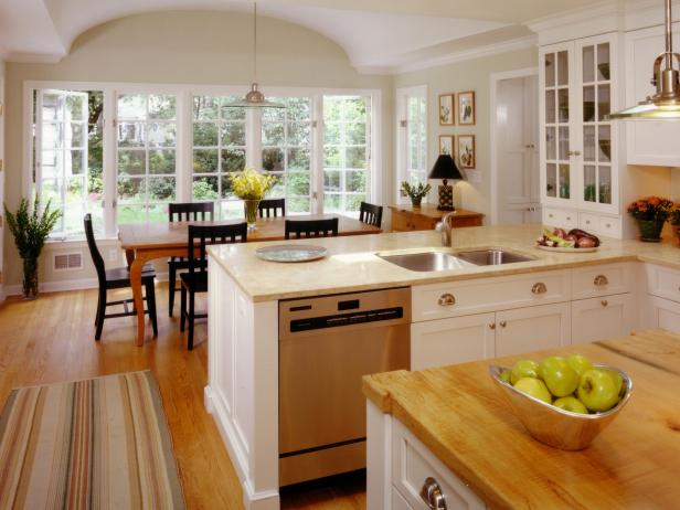 Best Classic Kitchen Design Classic Kitchen Cabinets Pictures Ideas Tips From Hgtv Hgtv