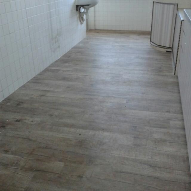 Fabulous Waterproof Vinyl Flooring Offer Herv Waterproof Vinyl Flooring Home Furniture On Carousell