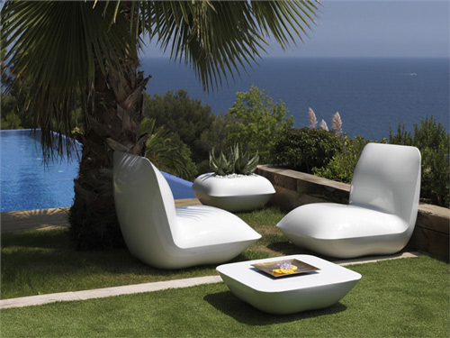 Fabulous White Modern Patio Furniture Modern White Outdoor Furniture Interior Design