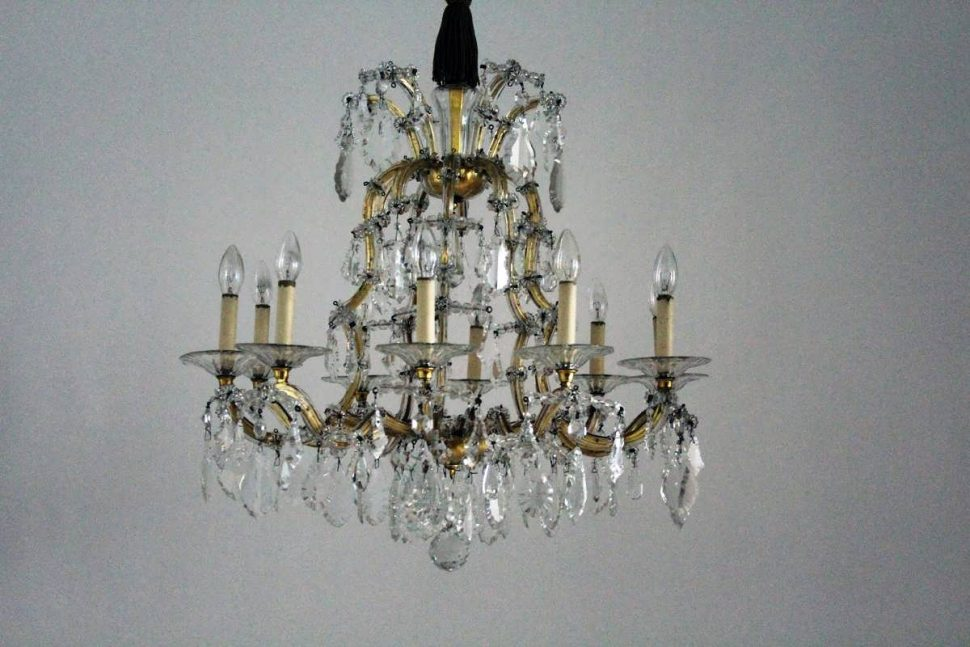 Impressive Very Large Chandeliers Chandelier Large Chandeliers For Sale Very Large Chandeliers Big