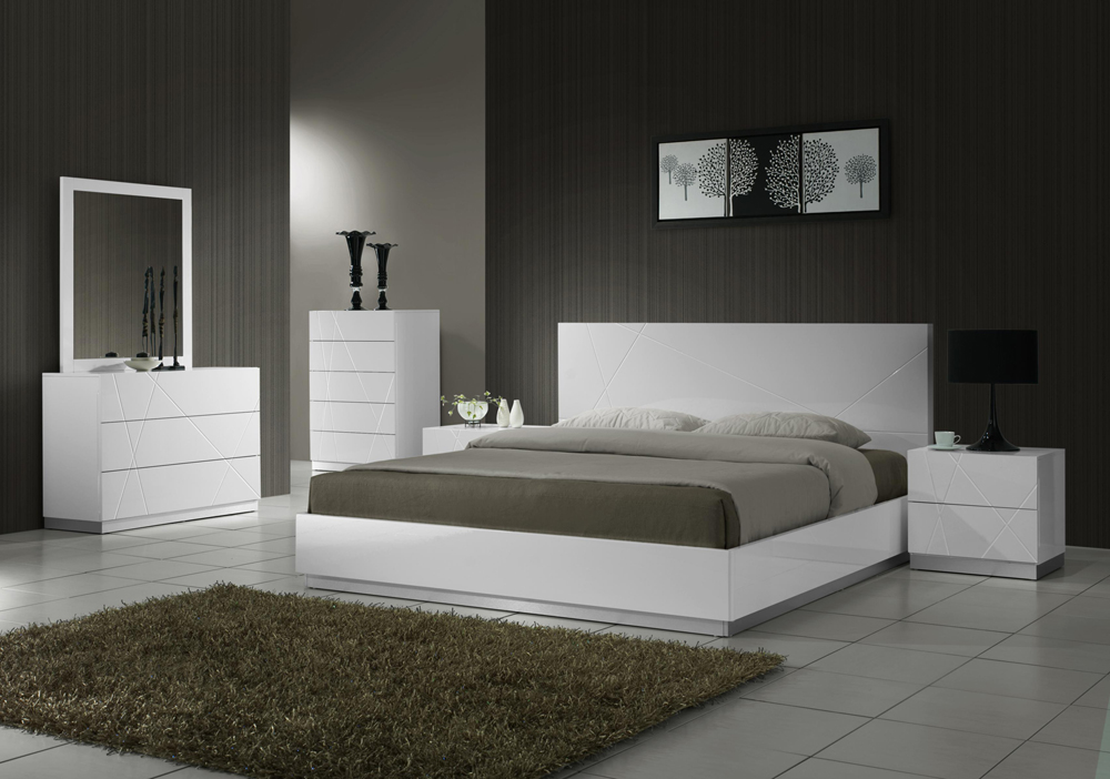 Impressive White Contemporary Bed J M Furniture Naples Modern White Platform Bed With Headboard