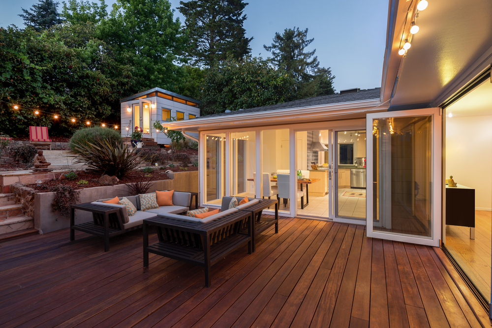 Stylish Luxury Outdoor Patio Designing A Luxury Patio In Los Angeles Luxe Life California